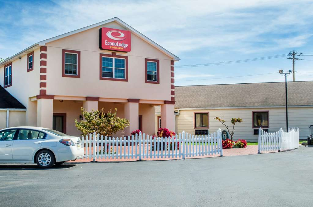 Econo Lodge Inn & Suites - Denver, PA 17517