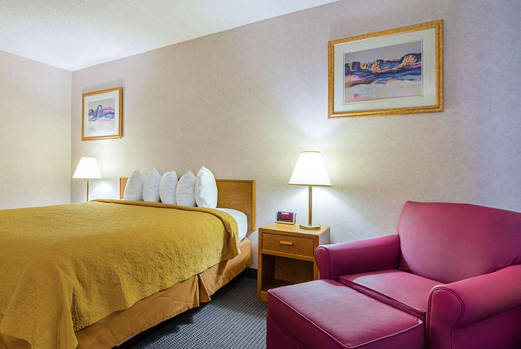 Quality Inn Rosebud Casino - Mission, SD 57555