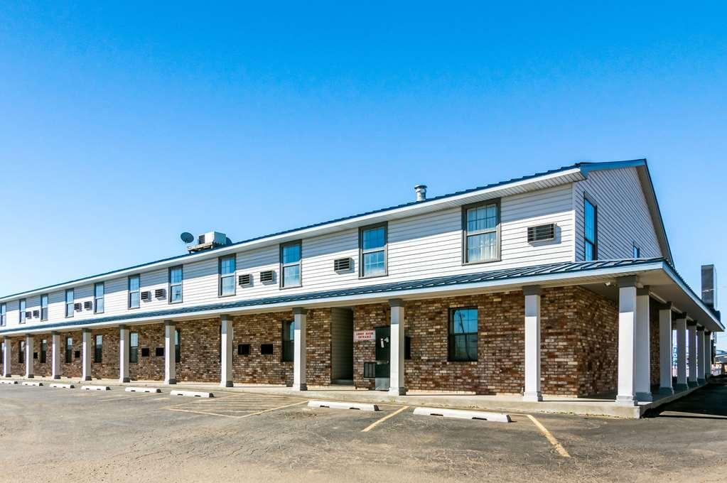 Econo Lodge Dumas - Dumas, TX 79029