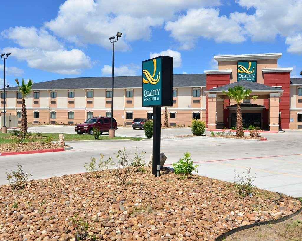 Quality Inn & Suites, Kenedy