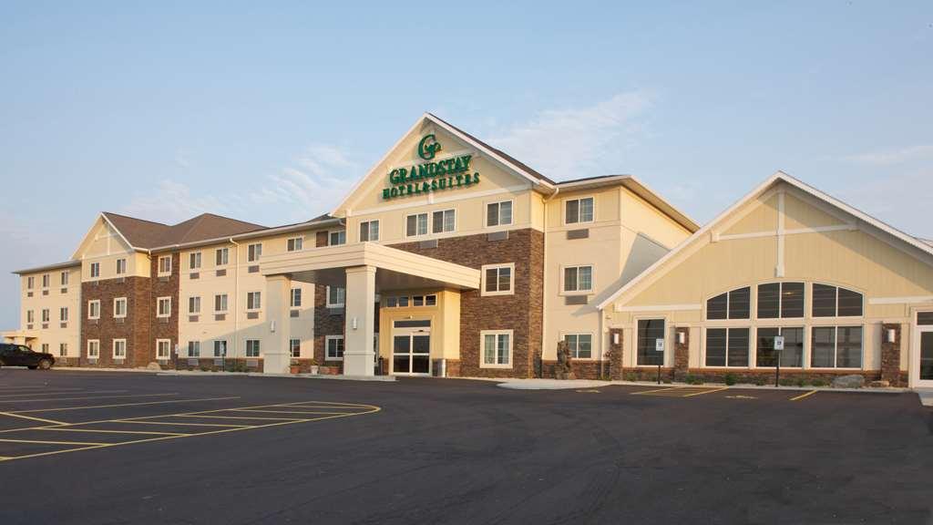 GrandStay Hotel & Suites, Mount Horeb