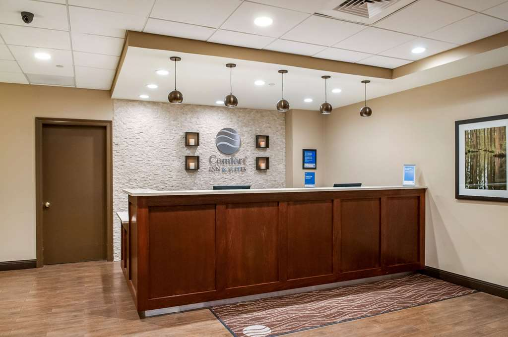 Comfort Inn & Suites New Orleans Airport