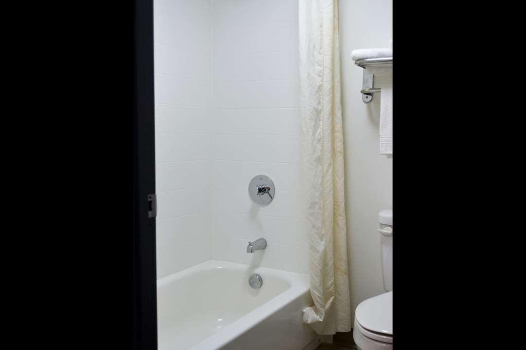 Clarion Inn - Bowling Green, KY 42104