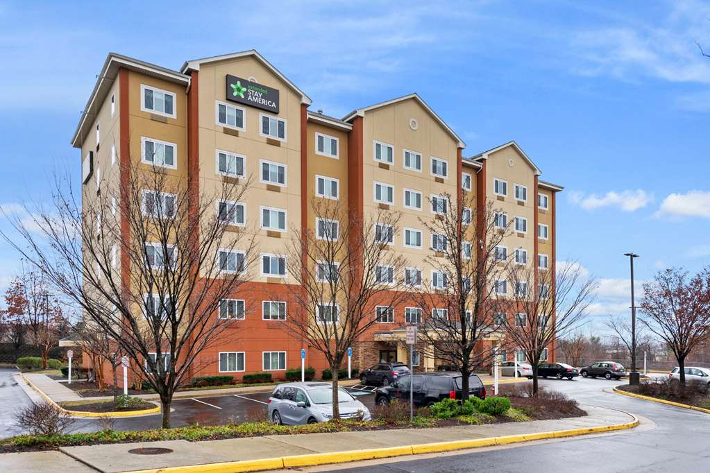 Extended Stay America DC Centerville Man