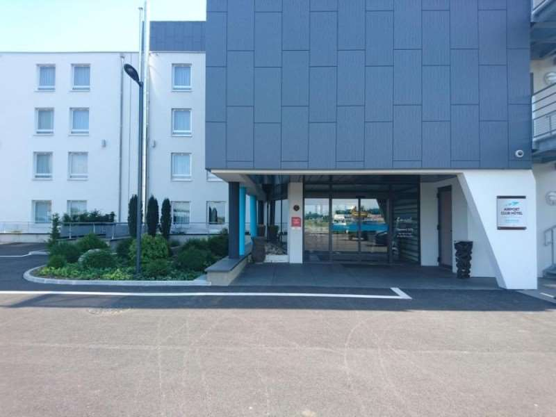 Brit Airport Club Hotel