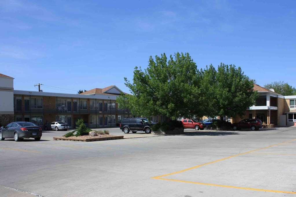 Best Western Lee's Motor Inn - Chamberlain, SD 57325