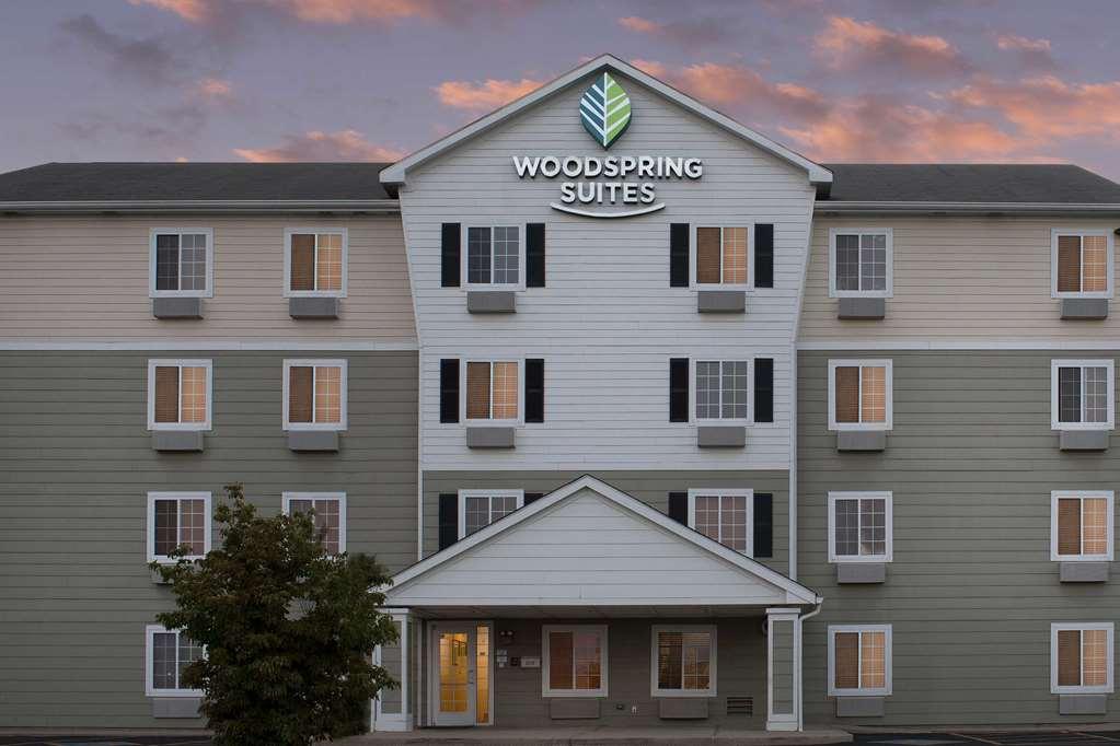 WoodSpring Suites Champaign Urbana