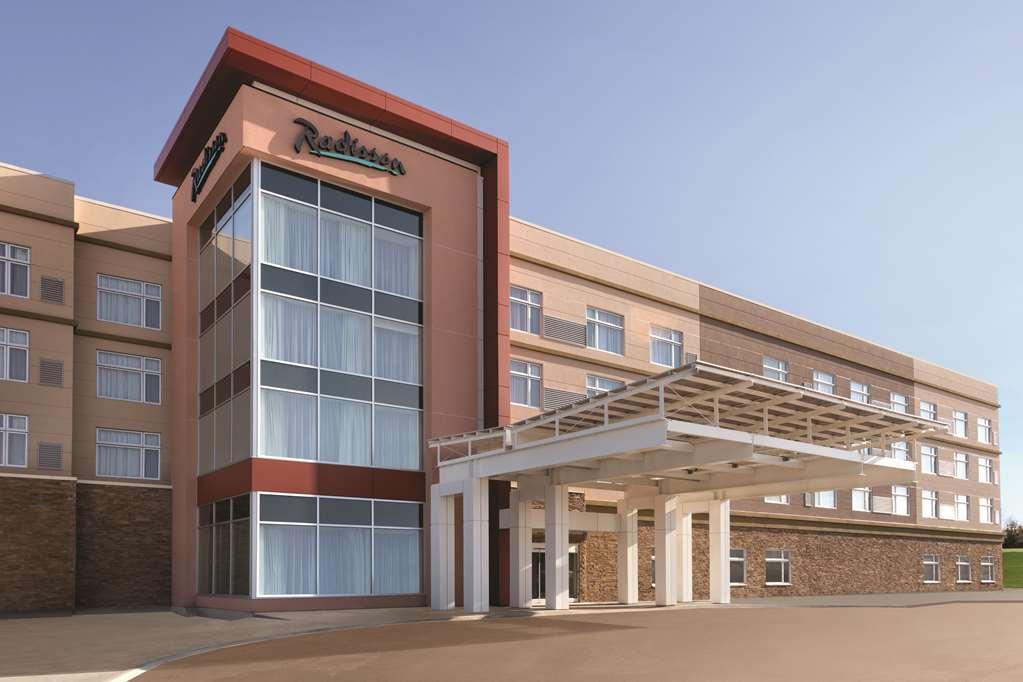 Radisson Kingswood Hotel & Suites