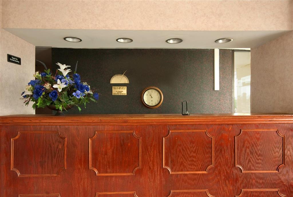 Americas Best Value Inn And Suites - Mobile, AL 36608