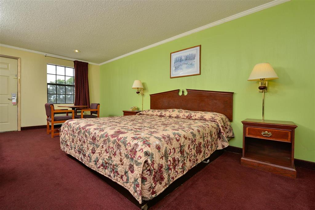 Americas Best Value Inn - Camden, AR 71701