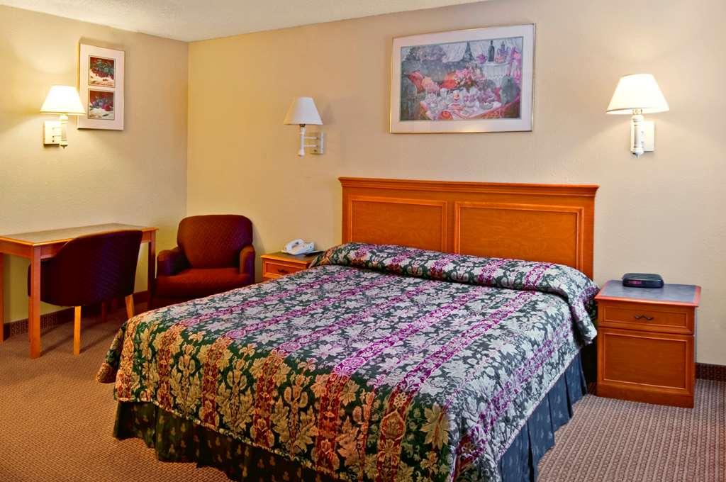 Americas Best Value Inn & Suites - Hesston, KS 67062