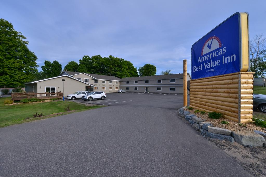 Americas Best Value Inn Marquette