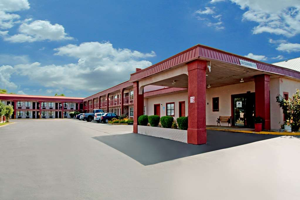 Americas Best Value Inn - Canton - Canton, MS 39046