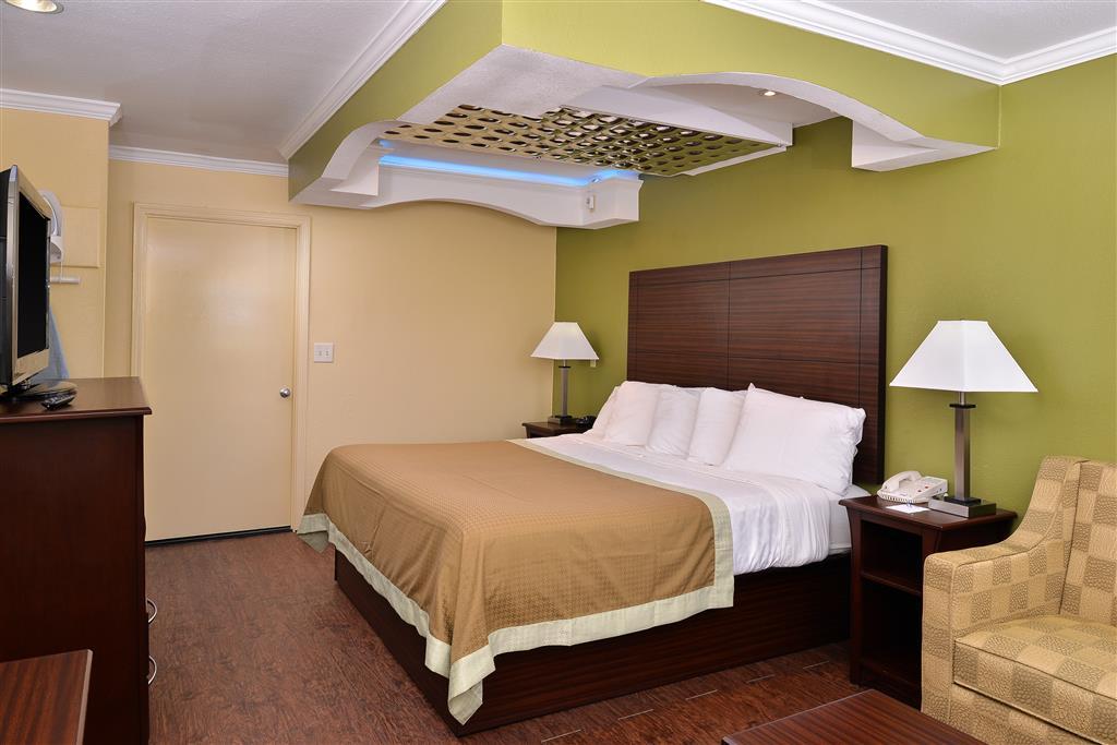 Americas Best Value Inn & Suites - Winona, MS 38967
