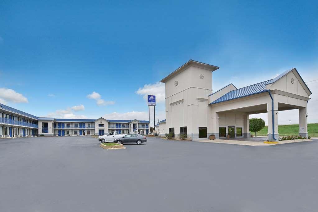 Americas Best Value Inn Hillsboro
