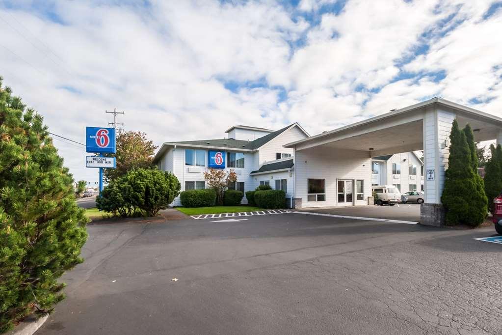 Motel 6 Seaside