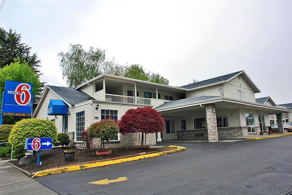 Motel 6 Portland Mall