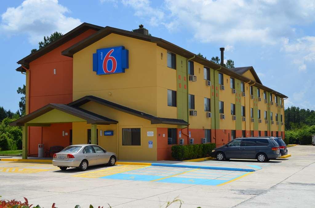 Motel 6 - Kings Bay Naval Base