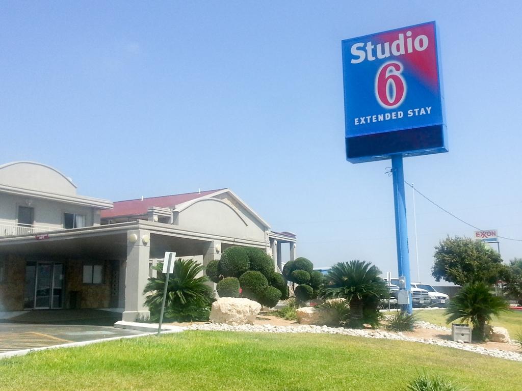 Studio 6 Del Rio