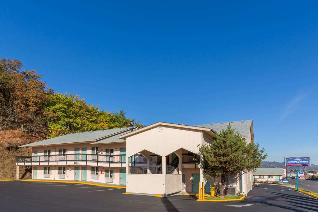Howard Johnson Express Inn - Roseburg