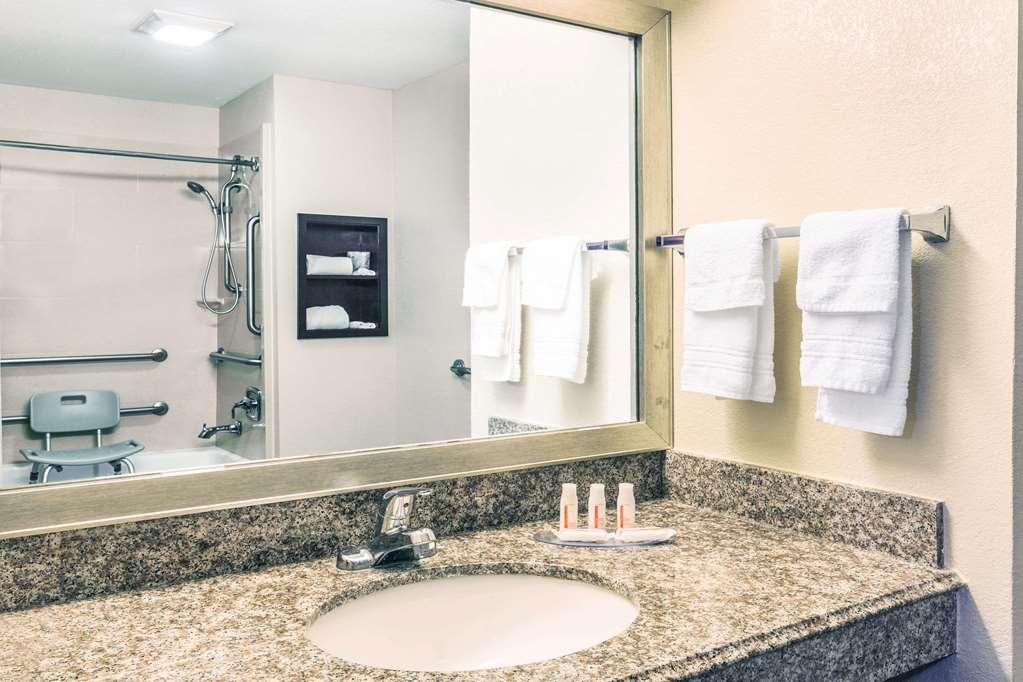 Days Inn By Wyndham Rayville 125 Maxwell Dr La Hotels Motels Mapquest