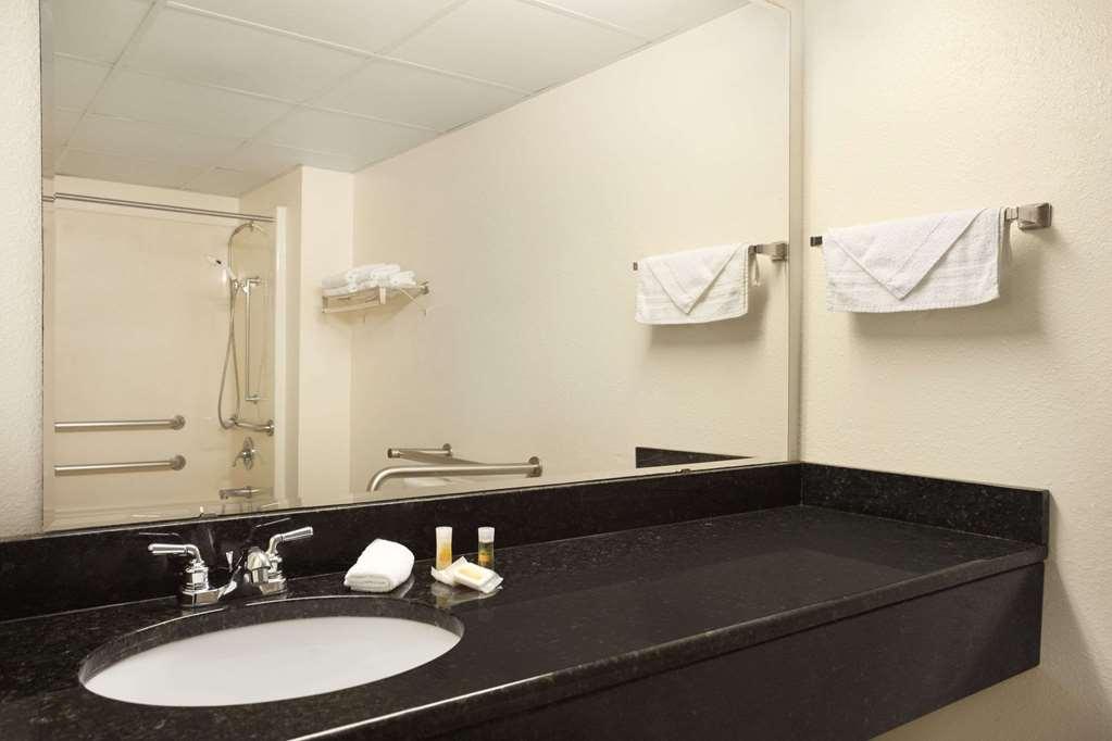 Days Inn By Wyndham Kuttawa/Eddyville - Kuttawa, KY 42055