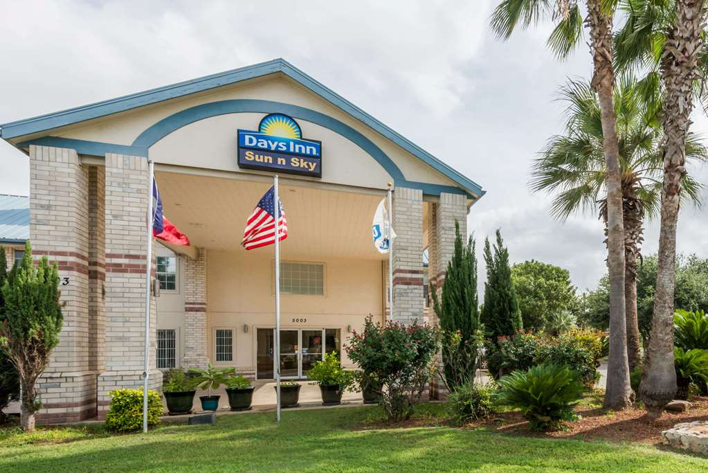 Days Inn By Wyndham San Antonio Southeast By At&t Center