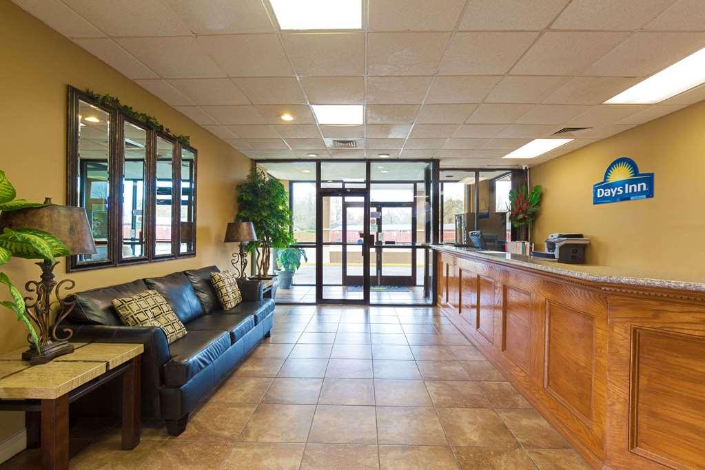 Days Inn Lafayette/University - Lafayette, LA 70506