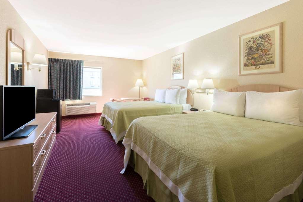 Days Inn Mount Vernon - Mount Vernon, IL 62864