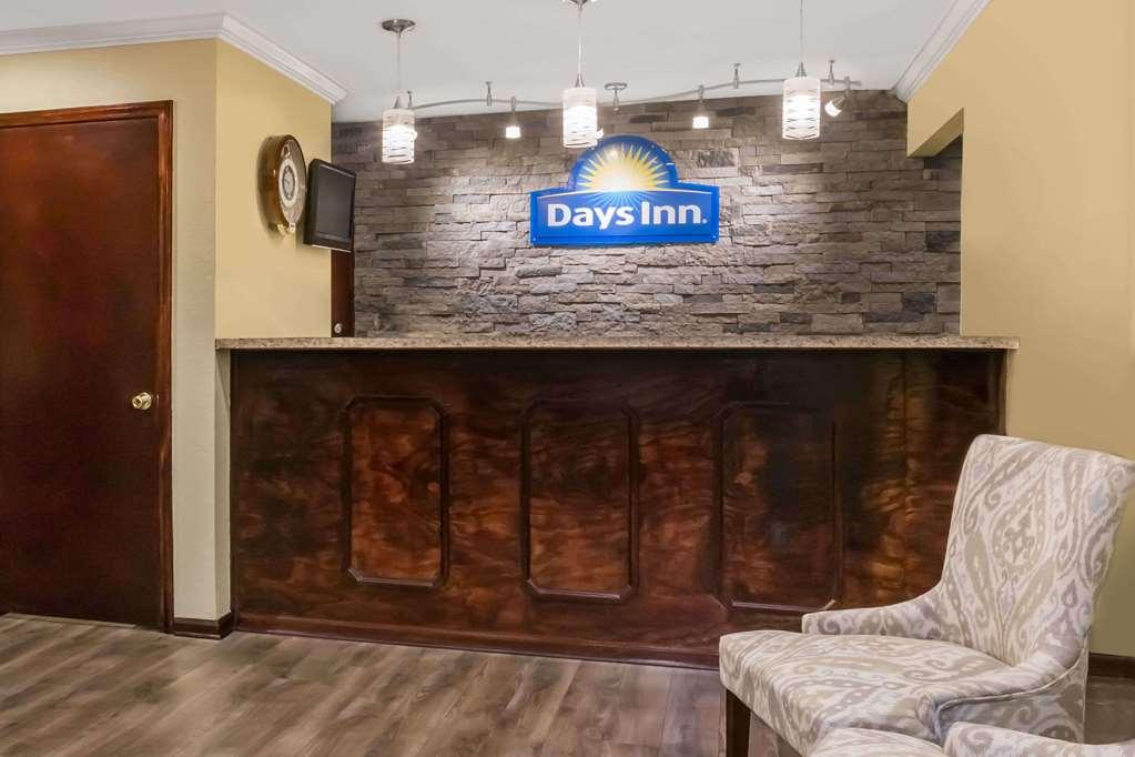 Days Inn By Wyndham Blakely - Blakely, GA 39823