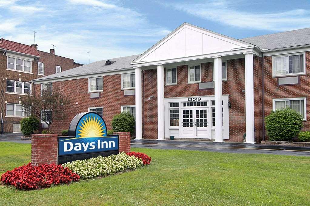 Days Inn Cleveland Lakewood