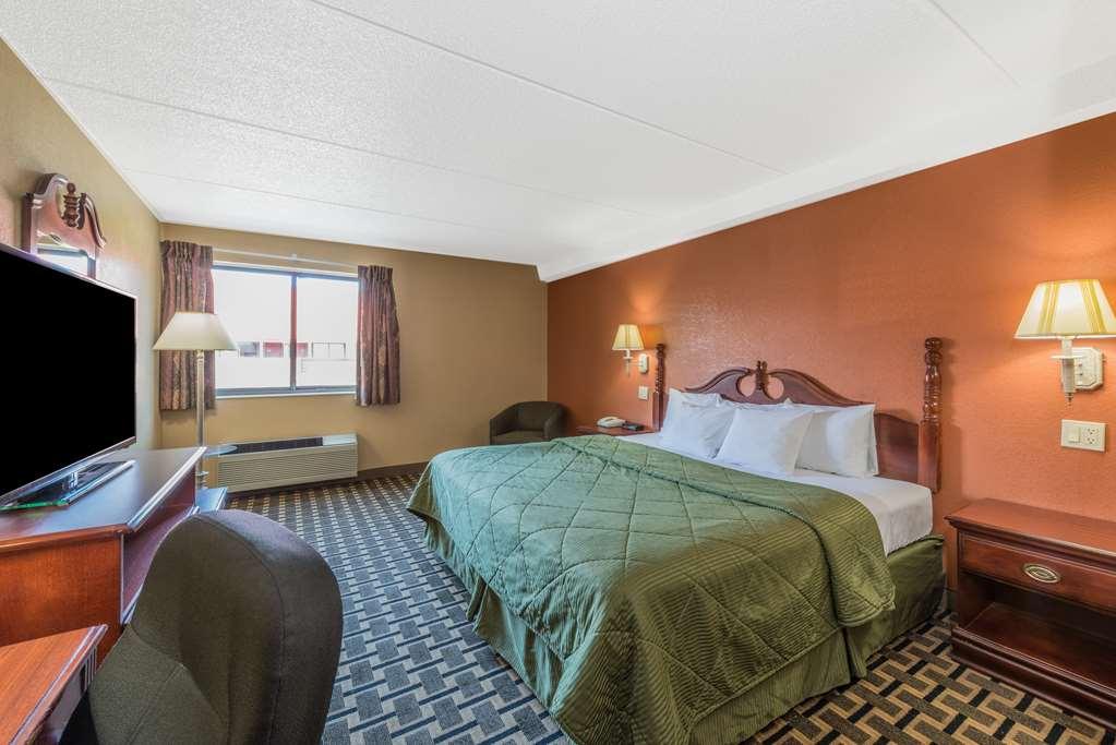 Days Inn - Hurstbourne - Louisville, KY 40222
