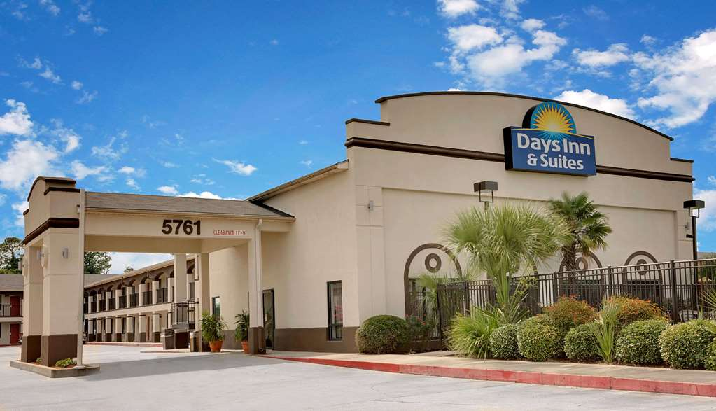 Days Inn & Suites By Wyndham Opelousas