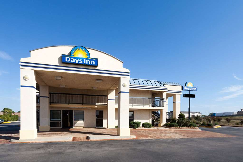 Days Inn And Suites Oklahoma City West