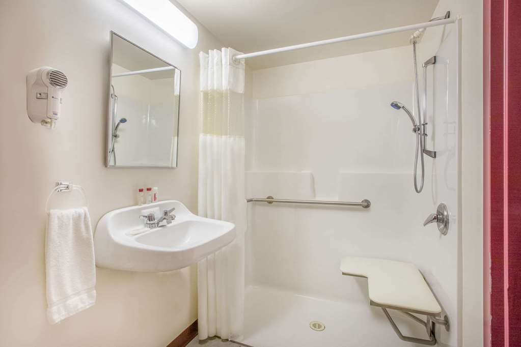 Ramada Limited Fort Nelson - Fort Nelson, BC VOC1RO