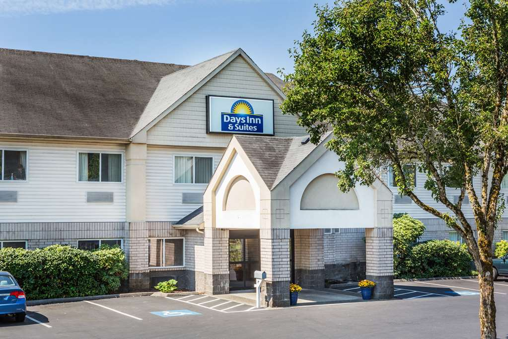 Days Inn & Suites Vancouver