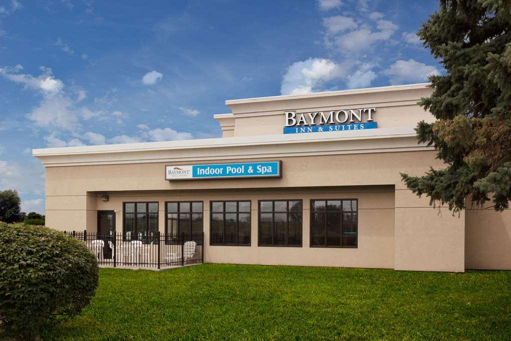 Baymont Inn & Suites St. Joseph