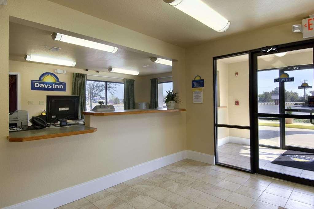Days Inn Of Centre - Centre, AL 35960