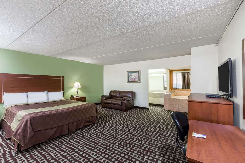 Days Inn Midland Texas - Midland, TX 79703
