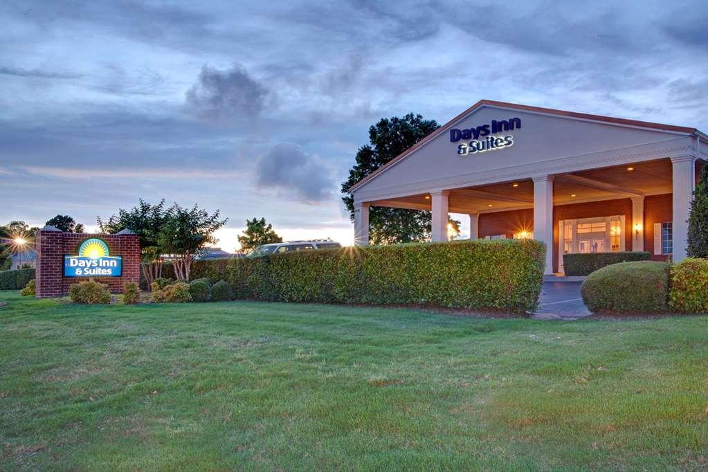 Days Inn & Suites Collierville