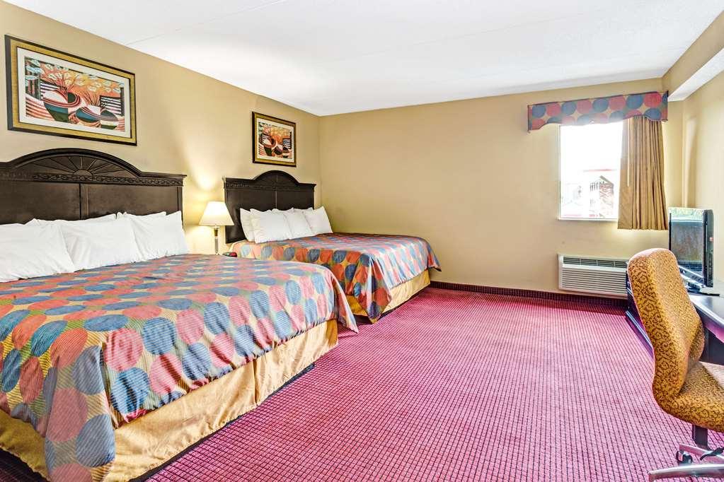 Days Inn & Suites By Wyndham Jeffersonville In - Clarksville, IN 47130