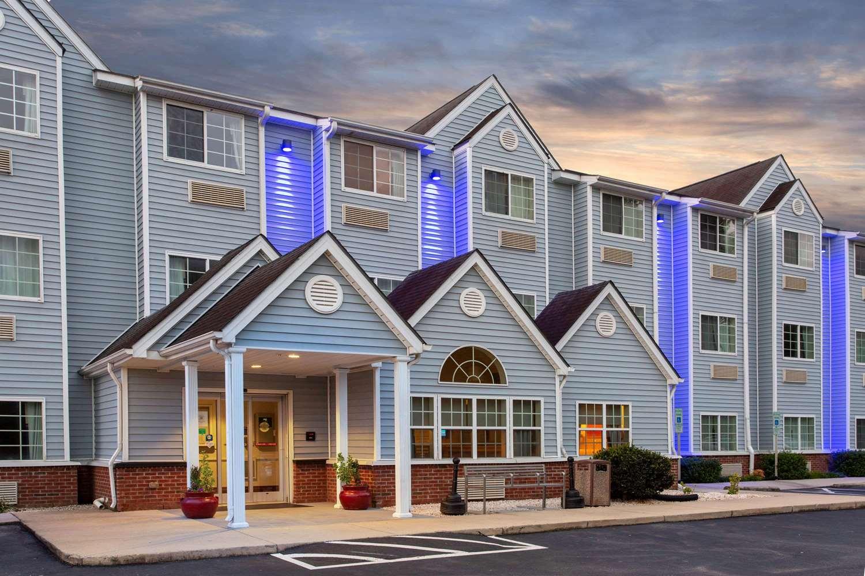 Microtel Inn & Suites by Wyndham Lillington Near Campbell U