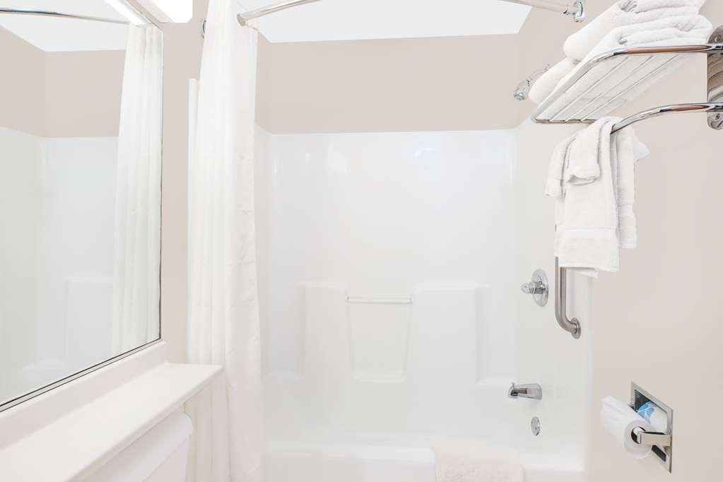 Microtel Inn & Suites By Wyndham Colfax - Colfax, IA 50054