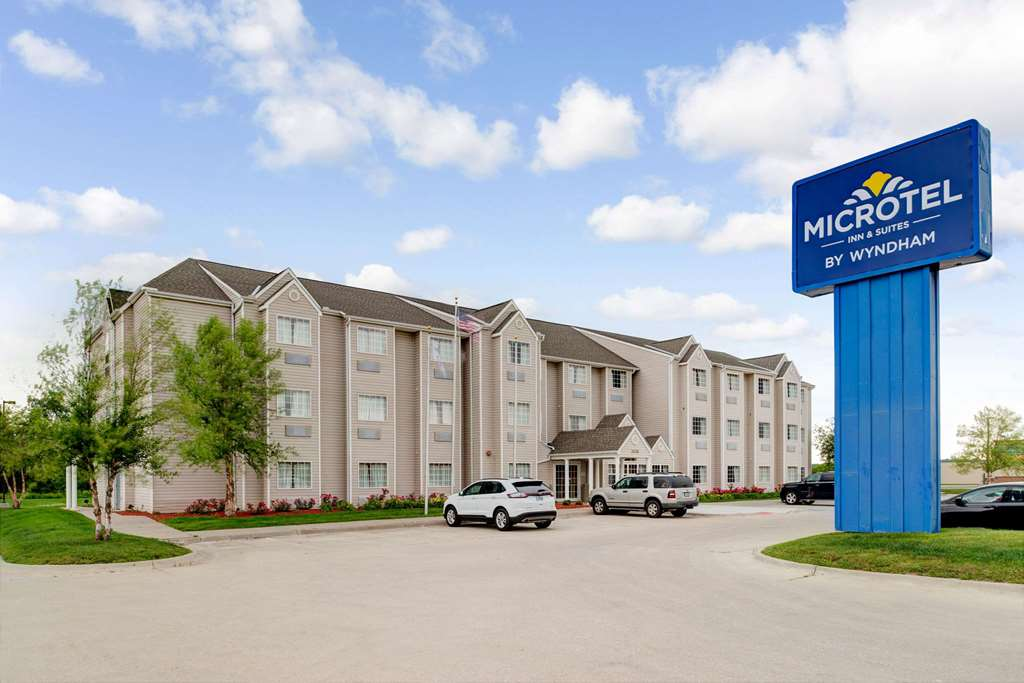Microtel Inn & Suites Bellevue