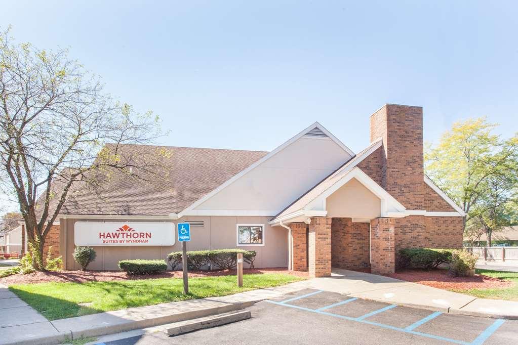 Hawthorn Suites Holland/Toledo area