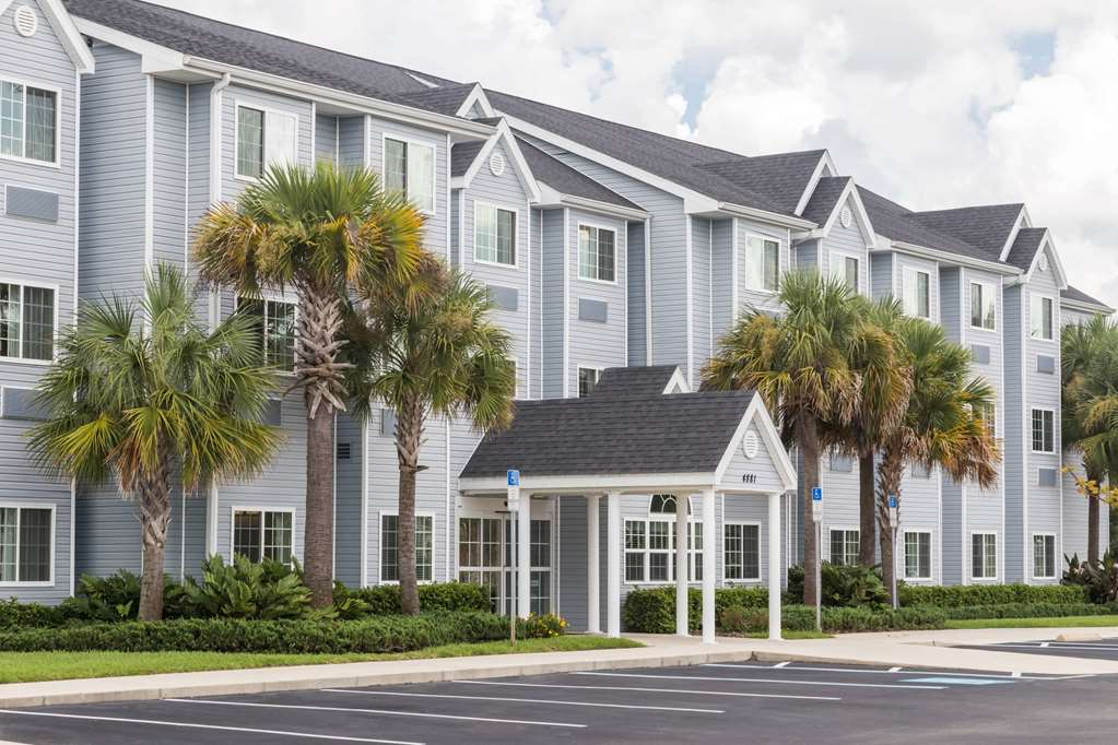 Microtel Inn & Suites Weeki Wachee