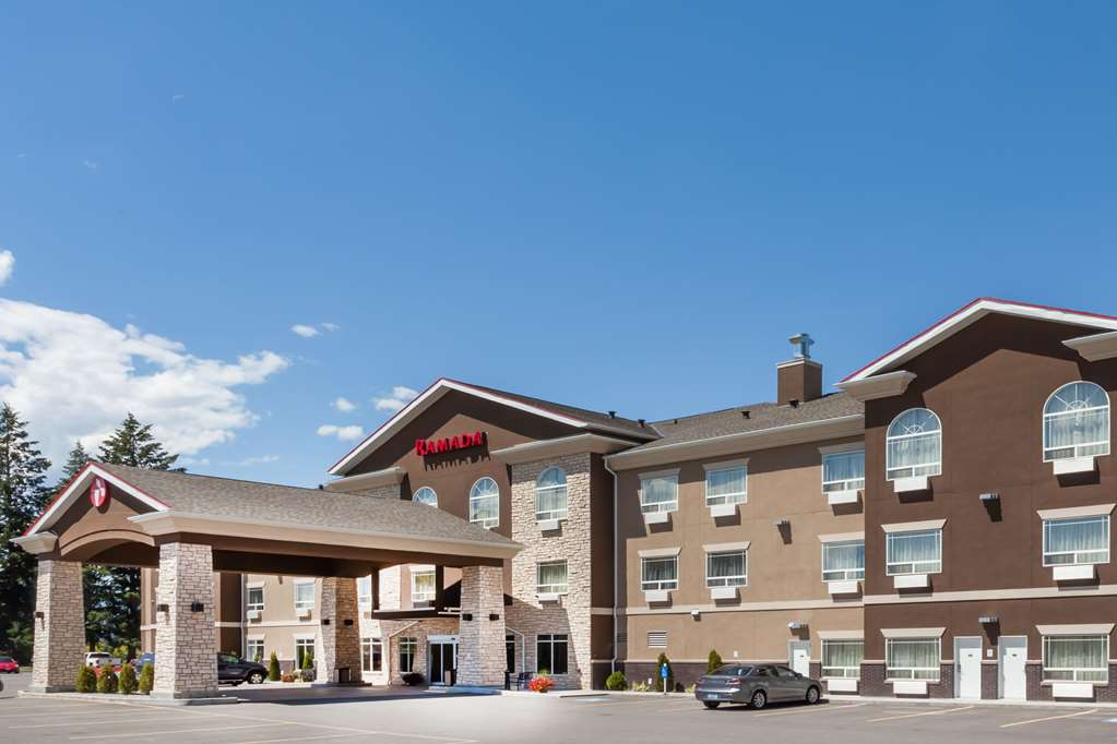 Ramada Creston Hotel