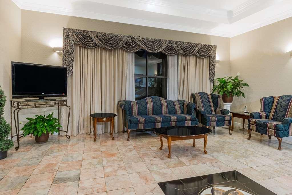 Days Inn By Wyndham Oneonta Al - Oneonta, AL 35121