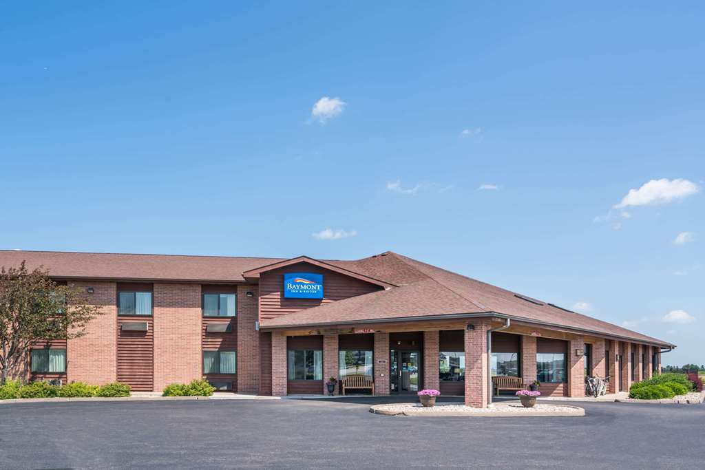 Baymont Inn & Suites Marshfield