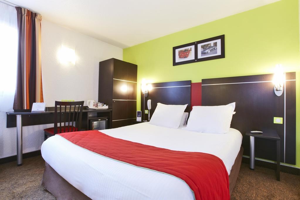 kyriad design enzo reims tinqueux kyriad. Black Bedroom Furniture Sets. Home Design Ideas